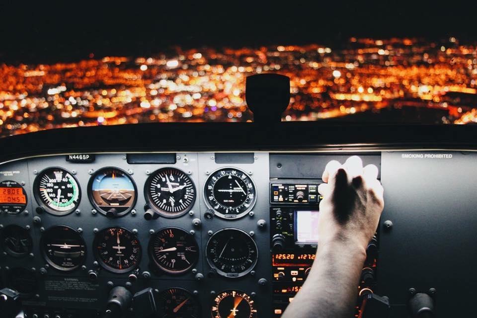 中年男子的飛行夢 - 一名自訓機師的訓練歷程